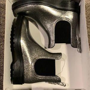 New!! Michael Kors rain boots. 6